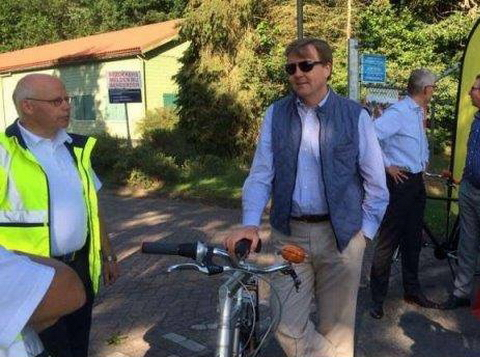 Koninklijk bezoek EHBO-post Witten tijdens Fiets4Daagse. (foto: RTVDrenthe)